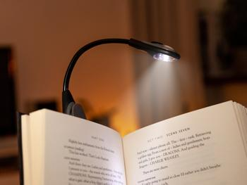 Spralla LED-leselampe med klemme