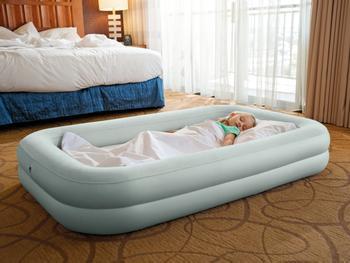 Intex oppblåsbar reiseseng for barn